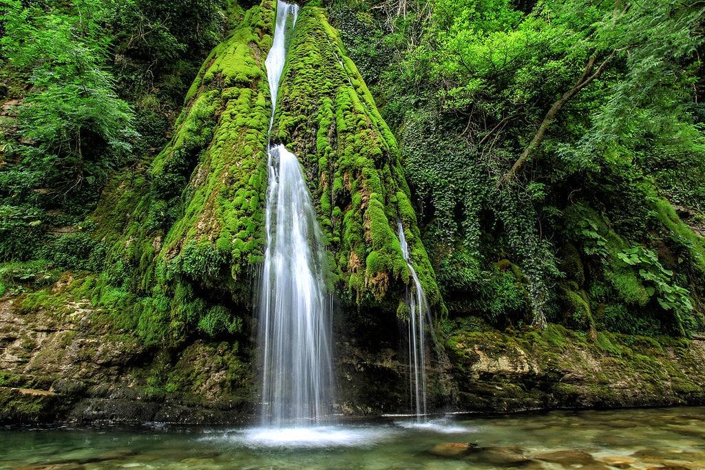 кагу водопад